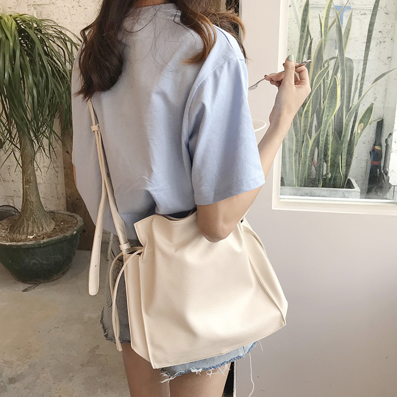 Kpop Casual Crossbody Bags For Women Messenger Bag Soft PU Leather Female Bucket Shoulder Bag Large Capacity Handbag Bolsa Totes