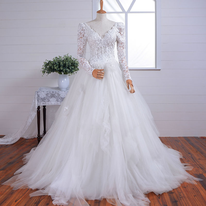 Victorian Style Vintage Wedding Dresses Long Lace Sleeve Layered Tulle Formal Bridal Gown with