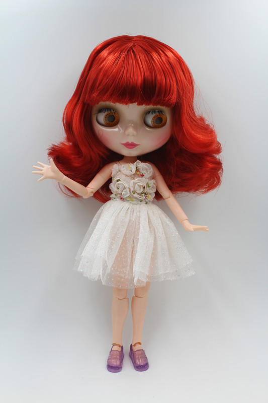 Blygirl doll wine red short hair Blyth joint body Doll Fashion can change makeup The hand can be rotatedBlygirl doll wine red short hair Blyth joint body Doll Fashion can change makeup The hand can be rotated
