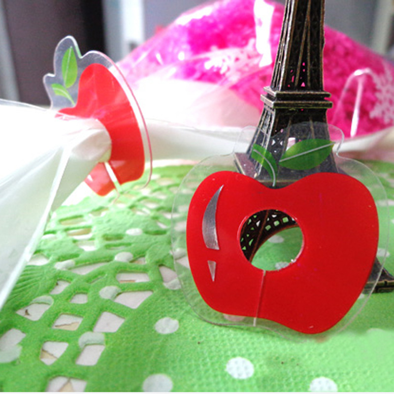 50pcs Lovely Red Apple Pet Tie for Gift Wrapping, Gift Packing Clip, Clover PVC Clear Tie Bag Clip Party Birthday Favor