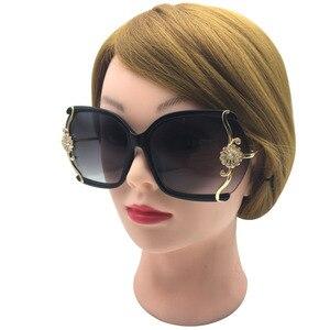 Image 1 - יוקרה חדש לגמרי נשים משקפי שמש עם תחרה עדינה ריינסטון קישוט חצי ללא מסגרת משקפי שמש נשים