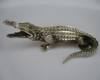 Antique antiques Collectible Decorated Old Handwork Tibet Silver Carved Crocodile Statue/ Animals sculpture