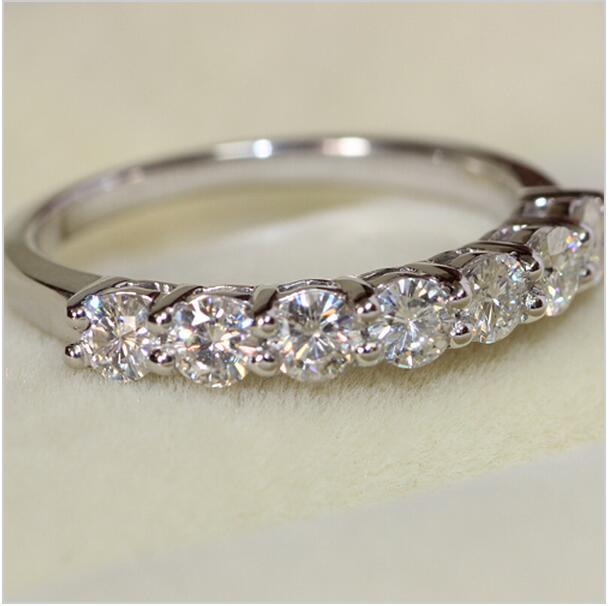 Luxury 07 Carat Engagement Wedding Moissanit e Ring Women Solid 14