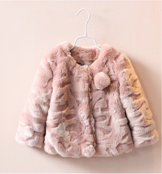 ФОТО y30865365 Retail 2015 New Winter Baby Girl Coat Solid Faux Fur Girl Outerwear Fashion Todder Girl Clothes