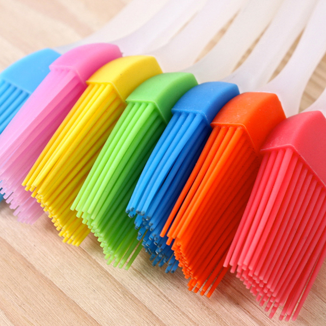 2019 Newest Silicone Baking Bakeware Bread Cook Brushes Pastry Oil BBQ Basting Brush Tool Color Random 2