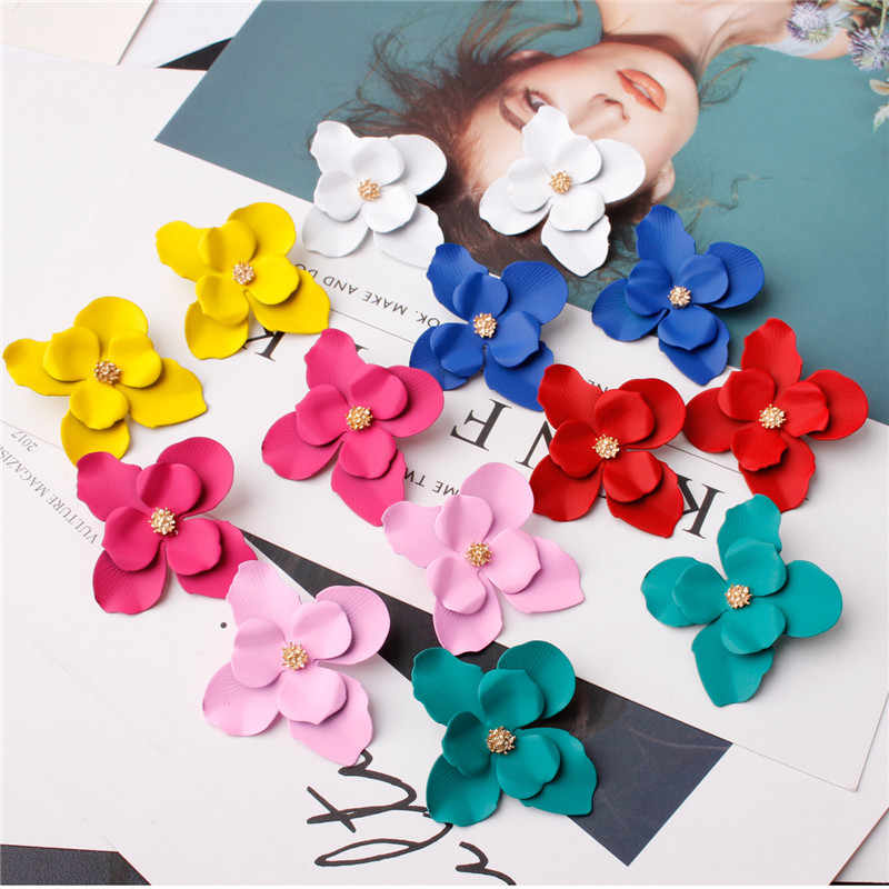 Ufavoirte Korean Style 2019 New Fashion Stud Earrings For Women Classic Trendy Cute Lovely Flower Or Crystal Earrings Wholesale