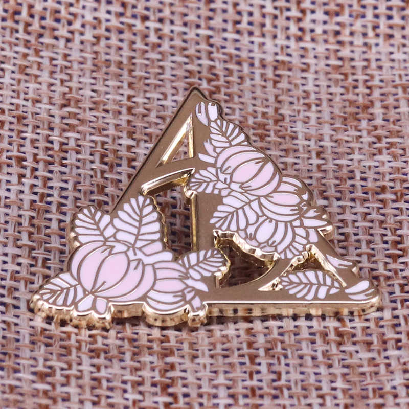 Deathly Hallows Pin Mematikan Matte Lencana