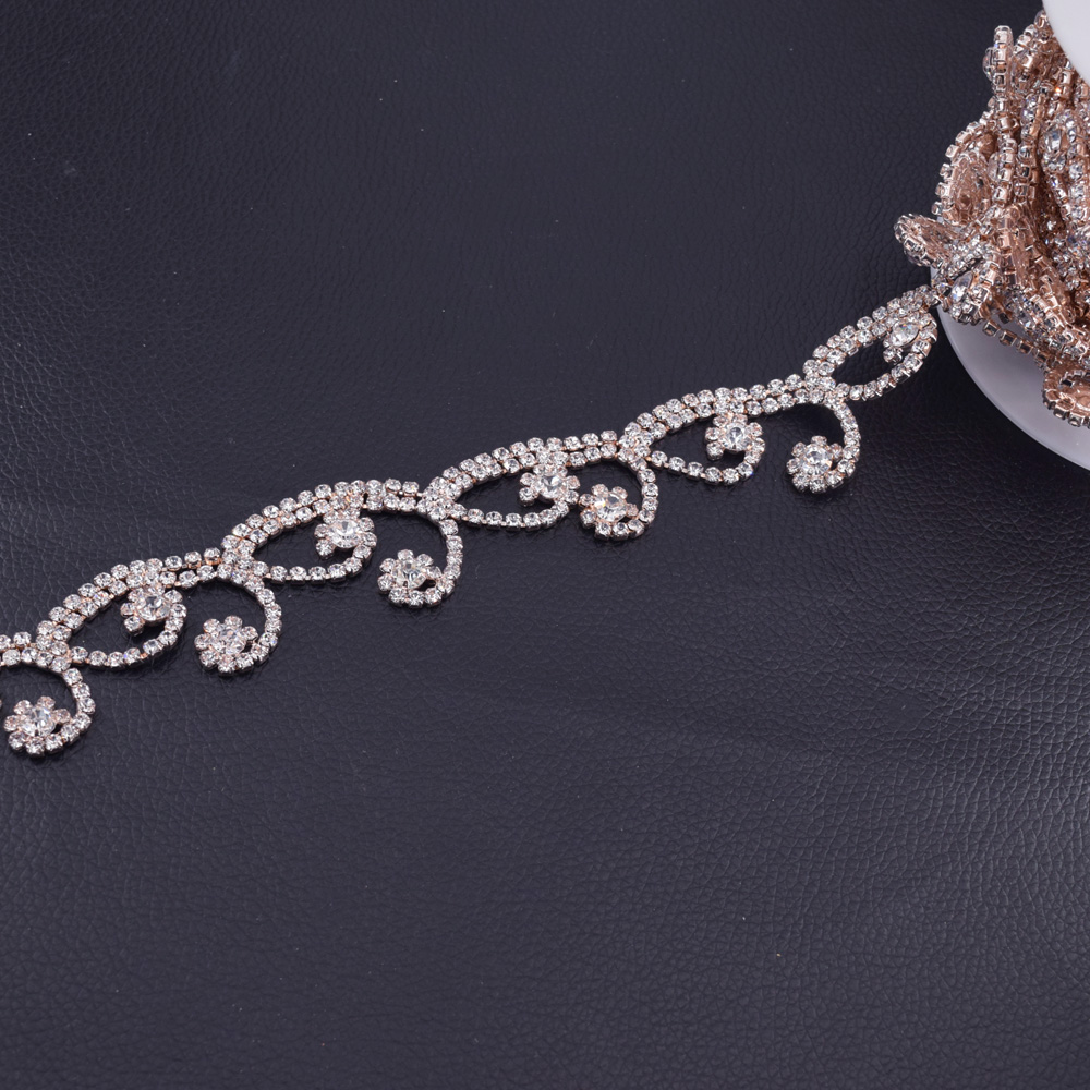 5Yards Glass Crystal Rhinestone Trimming Silver Plated Exquisite Rhinestones  Chain Decoration for Bridal Belt appliques Sew on-in Rhinestones from Home  ... 56726b18f349