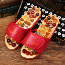 2017 new pebbles massage health foot massage shoes Men and women Kind cool slippers at home
