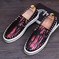 Designer De Luxo Mens Casual Comfort Shoes Moda Rebite Maré Sapatos Loafer Deslizamento Em Plano de Fundo Grosso Graffiti 3 Cores 38-44 Vermelho