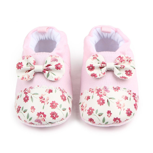 7f29af2cdeb41a New Beautiful Baby Shoes Warm Cute Cotton Flower Bee Print Prewalker Baby  Girl Cotton Shoes 0-15 Months