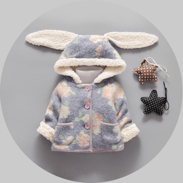 Abrigo de invierno 2016 nuevo babys niñas plus arropa la capa del bebé del oído de conejo flor de terciopelo grueso niñas recién nacido prendas de vestir exteriores de la chaqueta