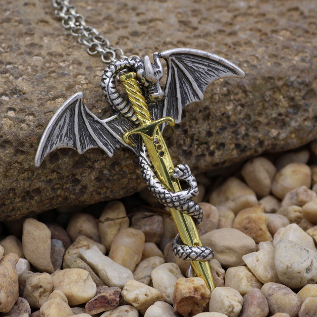 Кулон дракон и меч 3