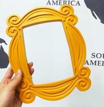 TV Seriesเพื่อนHandmade Monicaประตูกรอบไม้สีเหลืองMonประตูPeepholeกรอบรูปตกแต่งบ้านของสะสมของขวัญ