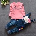 2016 Primavera/Outono conjuntos de roupas meninas do bebê gato bonito Da menina Da Criança roupas de manga Comprida t shirt + Macacões Crianças roupas de criança terno