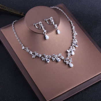 Korean style brides water droplets zircon necklace wedding accessories Wedding Necklace earrings and chains.