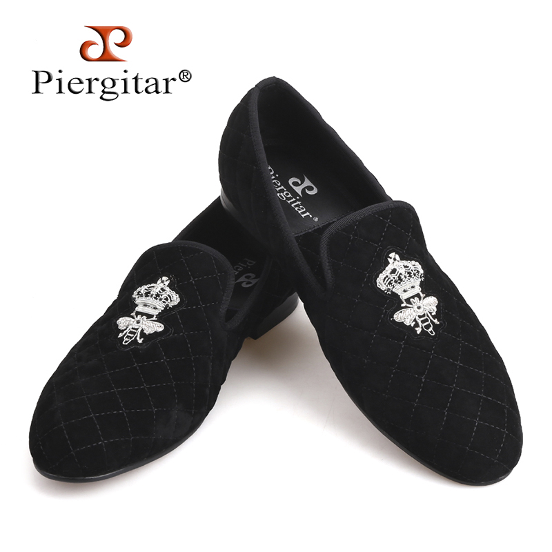 Handcraft men stitching plaid velvet shoes with Luxurious Silver bee embroidery Party Prom and Banquet men loafers men's flats leisure men s loafers with hollow out and stitching design