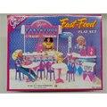 Móveis em miniatura Conjunto Fast Food para Barbie Doll House Pretend Play Brinquedos para a Menina Frete Grátis