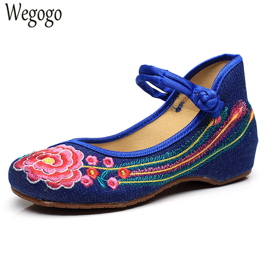 Wegogo Women Flats Casual Flower Embroidery Shoes Chinese Old Beijing Ladies Canvas Ballet Shoes Woman Zapatos Mujer Big Size 41 women flats summer new old beijing embroidery shoes chinese national embroidered canvas soft women s singles dance ballet shoes