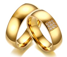 Classic Gold Color Shinny Crystal Engagement Rings High Polished Romantic Lover's Rings Stainless Steel Wedding Bands Accessory