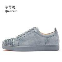 2019 Fashion Men's Vulcanize Shoes Men Suede Shoes Rivet Flat Low Top Spike Sneakers Lace up Men Shoes Runway Plus Size39 47