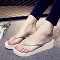 Женщины Тапочки Летние 2017 Женщин Комфорт Флип-Флоп Сандалии Платформы Случайные Крытый Зрелые краткие Обувь Mujer Plataforma
