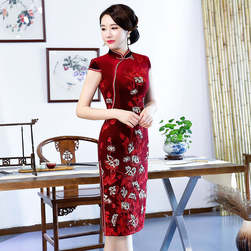bourgogne Femmes Longueur Mince Robe Printemps Genou Robes Velours Chinois Qipao Vintage Bouton Cheongsam Pourpre Style 2018 Noble Partie Sexy PUwgqg