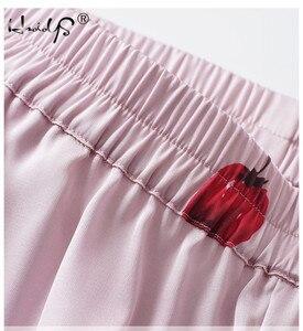 Image 4 - زائد حجم الصيف 2018 أزياء النساء منامة بدوره إلى أسفل طوق ملابس خاصة 2 اثنين من قطعة مجموعة قميص + السراويل الكرتون عارضة بيجامة مجموعات