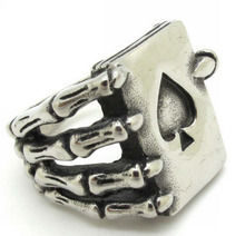 Unique Evil Paw Hand Peach Heart Poker Card 316L Stainless Steel Finger Ring Nice Gift Good Quality Skull Hand Rings