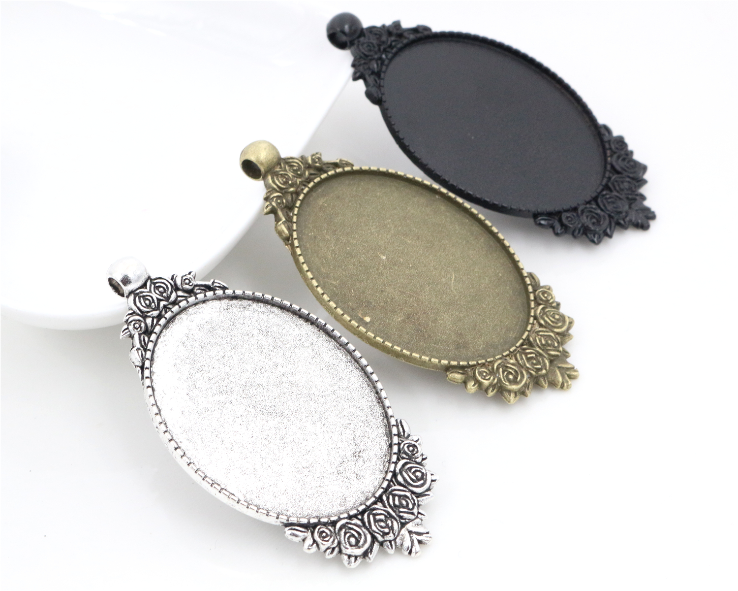 New Fashion 5pcs 30x40mm Inner Size Antique Bronze And Silver Black Colors Flowers Style Cabochon Base Setting Charms PendantNew Fashion 5pcs 30x40mm Inner Size Antique Bronze And Silver Black Colors Flowers Style Cabochon Base Setting Charms Pendant
