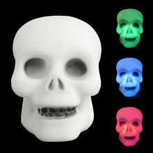 HNGCHOIGE Colorful Flash LED Mini Skull Night Light Lamp Halloween Party Decor Gift Prop