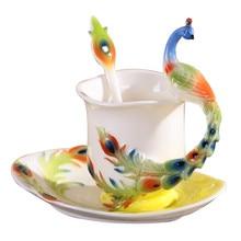 Farbige Emaille Porzellan Pfau Kaffeetasse Set China Knochen Keramik Tee Mlik Tasse und Untertasse Mit Löffel Kreative Drink Geschenk