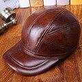 Hombres otoño y el invierno cálido sombrero ancianos acolchada deporte Al Aire Libre de béisbol de cuero de vaca 100% cuero Genuino tapa de protección del oído