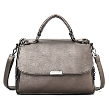 YILIAN Ms. The handbag 2018 leisure fashion Solid color Small square bag Female Suction buckle Oblique cross package 1915