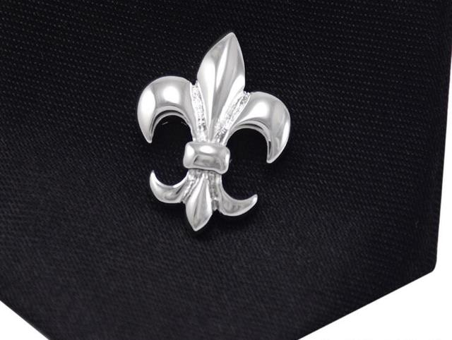 Exceptional 20pcs/lot Classic Silver Lotus Brooches Fleur De Lis Lapel Pin Brooches  Pins Collar Sticker