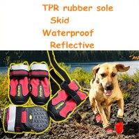 Meias Sapatos Cão de Estimação Botas De Chuva De Animais à prova d' água Sapatos Ao Ar Livre Botas de Borracha Antiderrapante Meias Pet Fornecimentos Cão Reflexivo DDM847