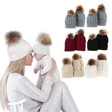 44aebe423416d 5 couleurs Maman Et Bébé Chapeau avec Pompon Chaud Fourrure De Raton Laveur  Bobble Bonnet Enfants