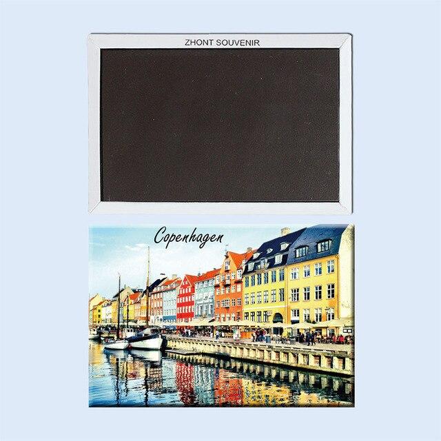 דנמרק קופנהגן נהר יפה וסירות 22497. תיירות מזכרות מתנות של ברחבי העולם בסדר; מקרר מגנט מתנה לחברים