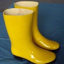Желтые устойчивые к химическому воздействию сапоги