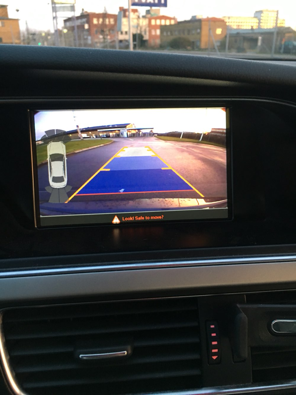 Car parking aid for Audi A5 A4 Q5 3G MMI front and rear view camera interfaceCar parking aid for Audi A5 A4 Q5 3G MMI front and rear view camera interface