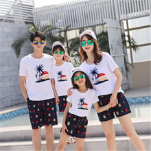 Family Matching Outfits 2019 Summer Style Fashion T shirt Short Pants Family Clothing Father Son Mother Daughter Clothes Set цены