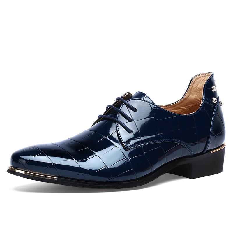 5a930aae57e62 Sapatas dos homens Tamanhos Grandes Homens Apontou Toe Sapato Vestido  Vermelho Sapatos Formal Homem Homme Itália Vestido Oxford Sapatos De Couro  de ...