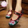 Китайский стиль Красный + Черный мягкой подошвой случайный вышитые обувь Размер (34-41) холст красивая ткань танец Zapatos женщины