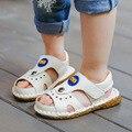 Дети пляжная обувь 2017 100% кожа удобные мягкие дном мальчиков и девочек детские летние сандалии открытым носком кроссовки чил