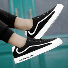2019 new spring flat shoes men's casual tide shoes Korean version of the trend of wild canvas old Beijing cloth shoes old beijing cloth shoes in the new baotou embroidered to raise the national wind leisure women shoes cool slippers home
