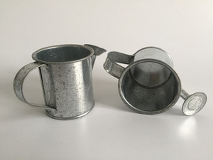 Image 1 - 30pcs/lot D5.5XH5.5CM Silvery Mini watering cans wedding favors bucket tin Metal Favors Decorative watering cans
