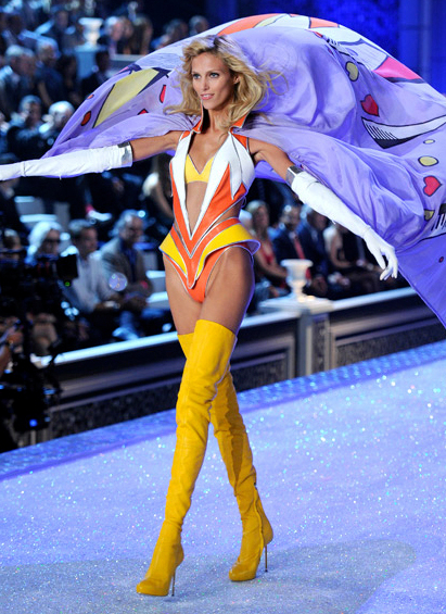 yellow over the knee boots | Gommap Blog