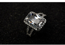 2017 New Luxury ring Crystal from Swarovski ring For Women Fashion 925 Jewelry Rings Wholesale Tetragonal zircon(China)