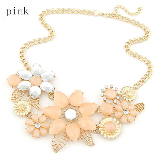 2017 New Fashionable Bright Flower Necklace Charm Rhinestone Necklace And Pendant Gift  Chain Choker Bib Statement Necklace
