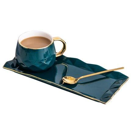 Tasse en céramique nord-européenne avec plaque créative tasse à café en or snack plat ensemble simple anglais après-midi tasse à thé avec cuillère
